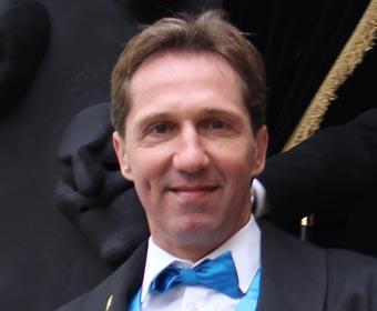 Adrian Knup